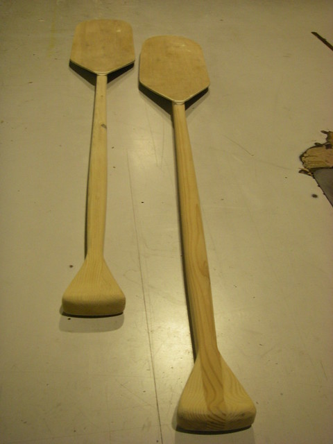 Free wooden paddle and oar plans.