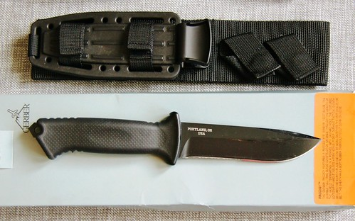 "Gerber Prodigy Combat 4.8"" Black Combo Edge Fixed Blade with Sheath"