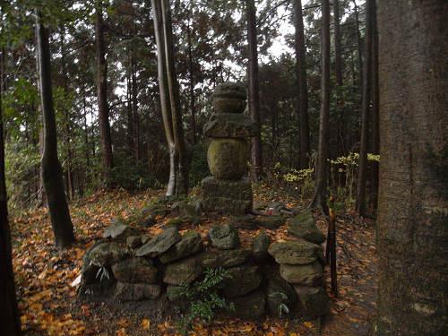 大和富士にひっそりと眠る『山部赤人の墓』@宇陀市