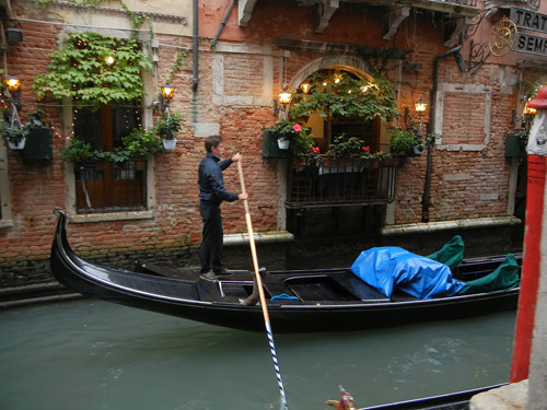 DSCN1685 _ Gondolier, Venezia, 13 October