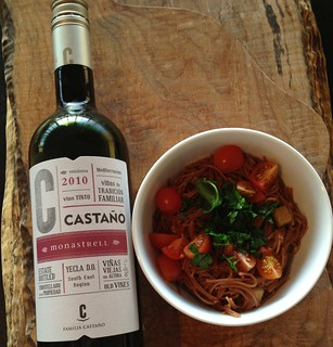 Absorption-Cooked Vegan Pasta Dish and a Spanish Monastrell