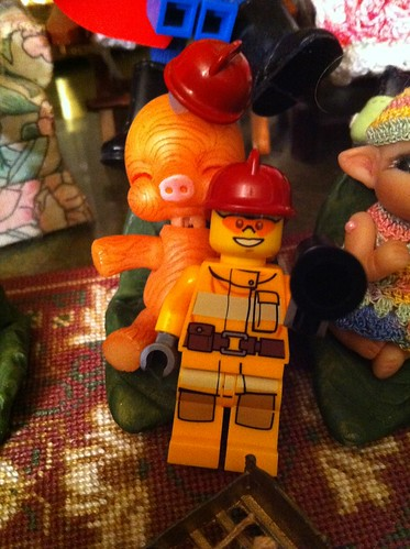 "LeGo Advent City DaY 1 - ""Fireman w/ Bullhorn"" w/ Boneka Kayu by DollZWize"