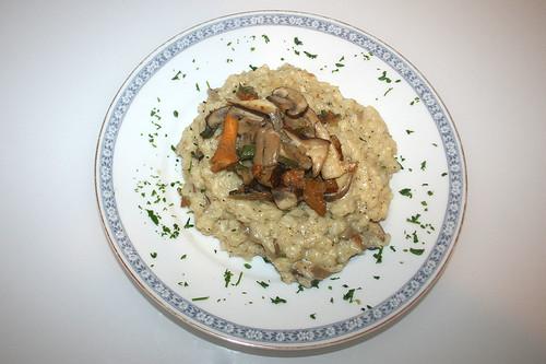 40 - Pilz-Risotto mit Salbei / Mushroom risotto with sage - Serviert