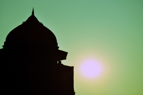 sunset sky sun india black tower silhouette nikon fort delhi indian palace dome contrejour redfort olddelhi mughal lalqila d90