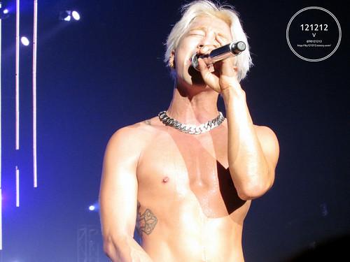 Taeyang-Seoul-day1-20141010-90121212_12