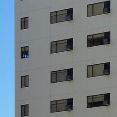 windows (Waikiki morning) ワイキキの朝 - 6 August 2016  #travel #hawaii #honolulu #waikiki #windows #airconditioners #summermorning #minimal #minimalistart #unlimitedminimal #vsco #vscocam