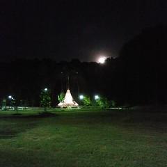 Moon over the Memorial #911