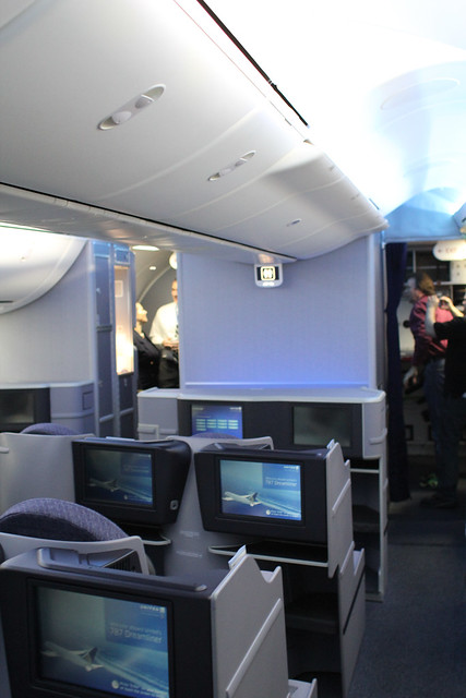 United 787 Forward BusinessFirst Cabin