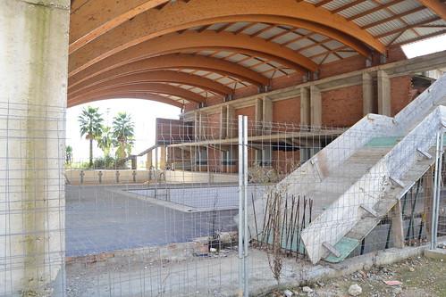 Pabellón deportivo abandonado, Burguillos, Sevilla