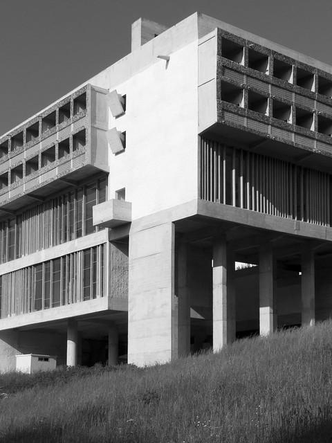 Couvent de la tourette flickr photo sharing for Corbusier sessel 00 schneider