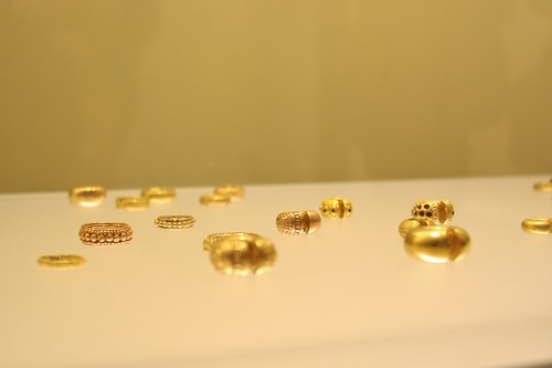 Museo de Oro rings