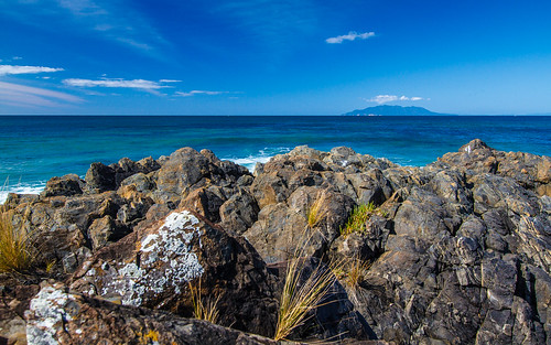 ocean newzealand beach water landscape waves wideangle pacificocean northisland 2012 lightroom canon1022mm tawharanui canon7d naturemscenic