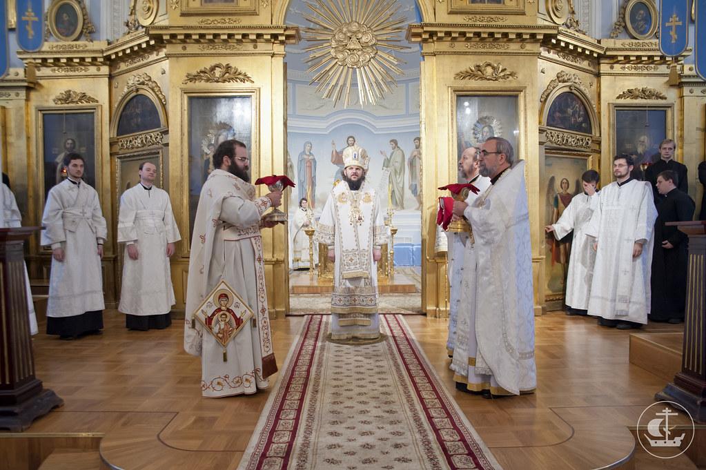 21 ноября 2012, Литургия в день Собора Архистратига Михаила и прочих Небесных Сил бесплотных