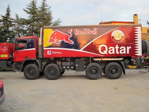 Camión asistencia Qatar Red Bull Rally Team Sainz y Al-Atiyah