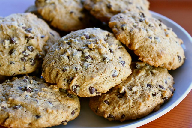 Cashew Butter Chocolate Chip Cookies (gluten-free, low sugar)
