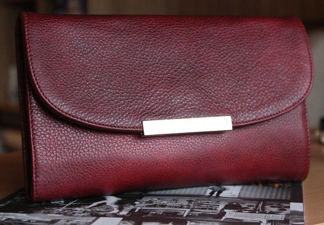 Musette leather oversized wallet