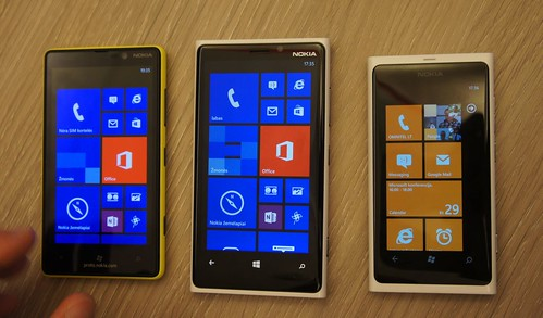 Windows Phone 8: Nokia Lumia 920 ir Samsung ATIV S