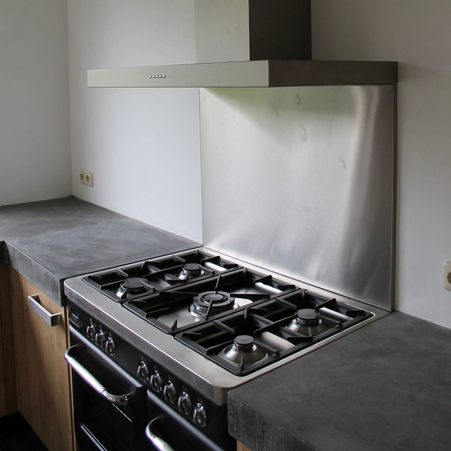 Houten Keuken Betonnen Blad : Massief eiken houten keuken met ikea keuken kasten door