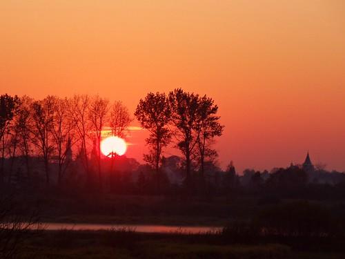 trees sunset orange sun church nature landscape colours view silhouettes poland polska sunny warta
