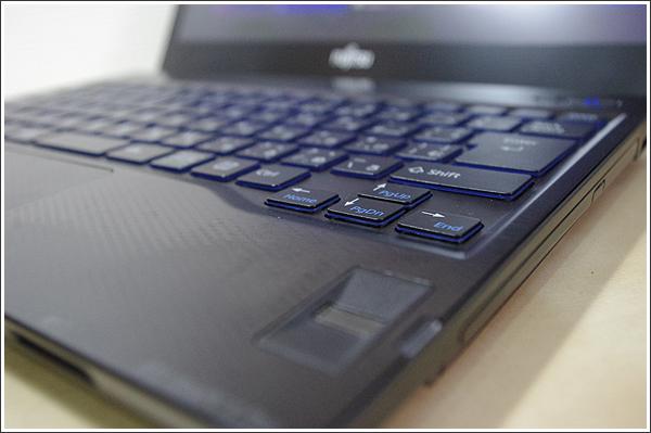 ある意味最強のハイブリッドノートパソコンだったLIFEBOOK WS/J(SHシリーズ)