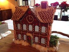 christmas decoration(0.0), dessert(0.0), christmas(0.0), gingerbread house(1.0), gingerbread(1.0), food(1.0),