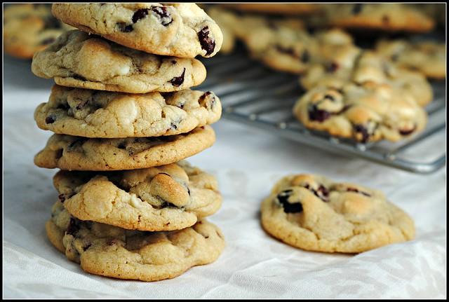 cranwhitechocchipcookies2