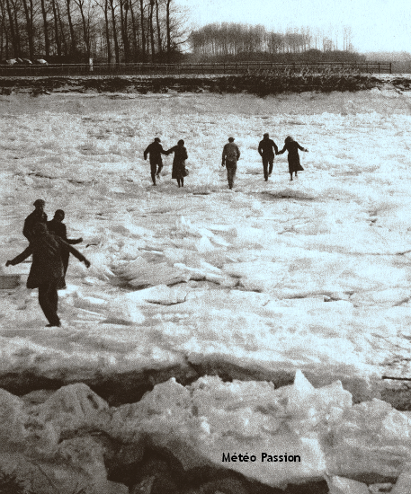 banquise de la Seine gelée à Montereau lors de la vague de froid de décembre 1933 météopassion