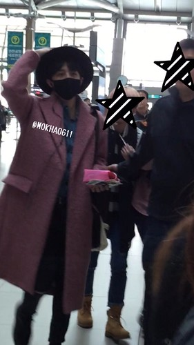 Big Bang - Incheon Airport - 21mar2015 - G-Dragon - MOKHA0611 - 01