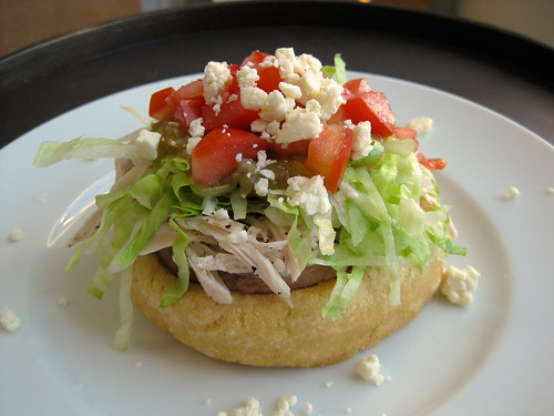 sopes de pollo (chicken sopes)