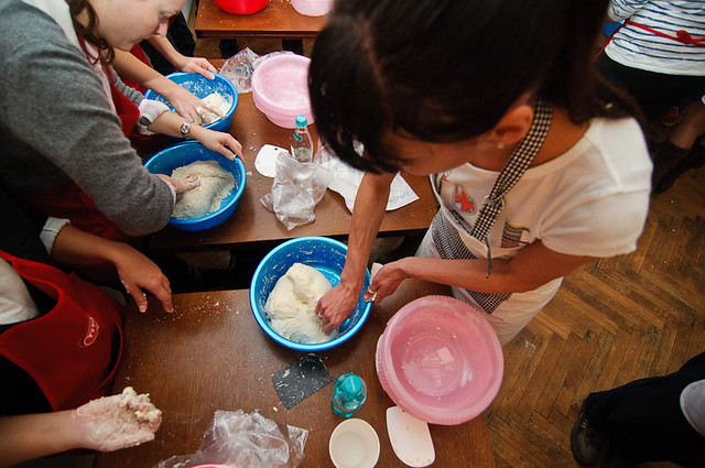 8168971279 0573195d6e z Poze si impresii de la atelierele de paine din Bucuresti