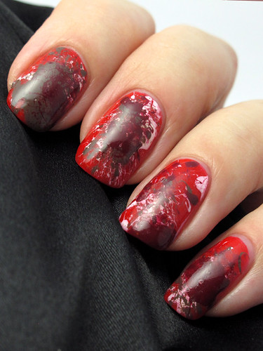 Splatter manicure with Flormar polishes