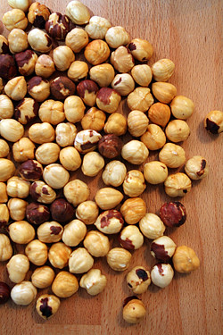 hazelnuts for Baci di dama