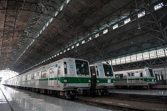 Tokyo Metro Seri6000 di Stasiun Tanjung Priok