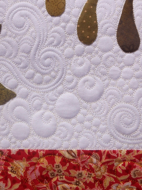 Green Fairy Quilts: Beth and her excellent applique skills! : machine quilting around applique - Adamdwight.com
