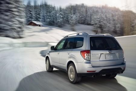 Autem na hory: technika jízdy v zimních podmínkách