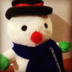 snowman(0.0), teddy bear(1.0), textile(1.0), plush(1.0), stuffed toy(1.0), toy(1.0),