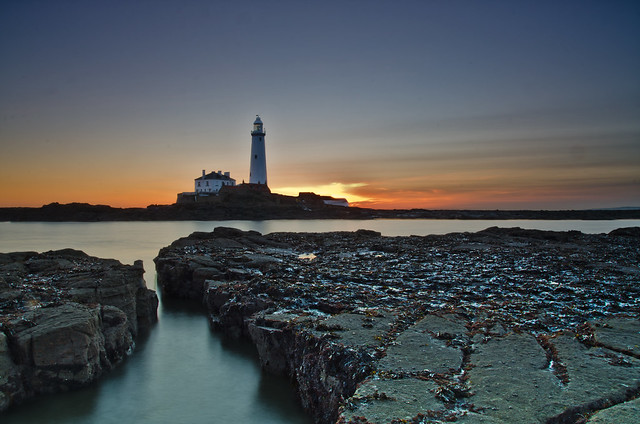 St Marys Lighthouse,a winters sunrise.