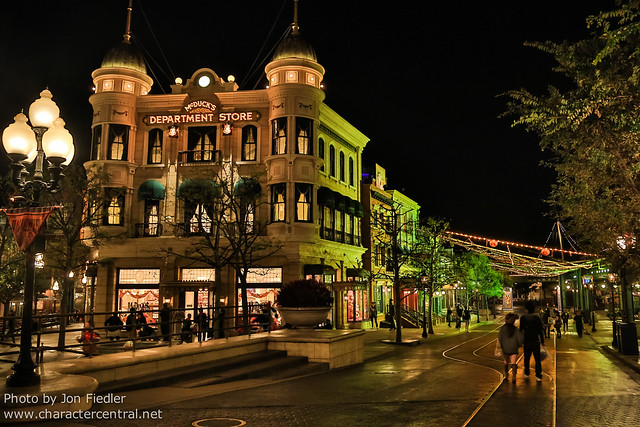 TDR Oct 2012 - Wandering past American Waterfront