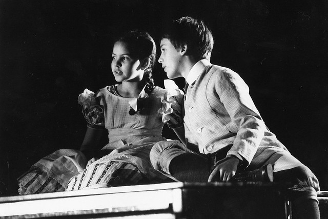 Caroline Wise and Julian Leang in The Turn of the Screw © Catherine Ashmore 2002