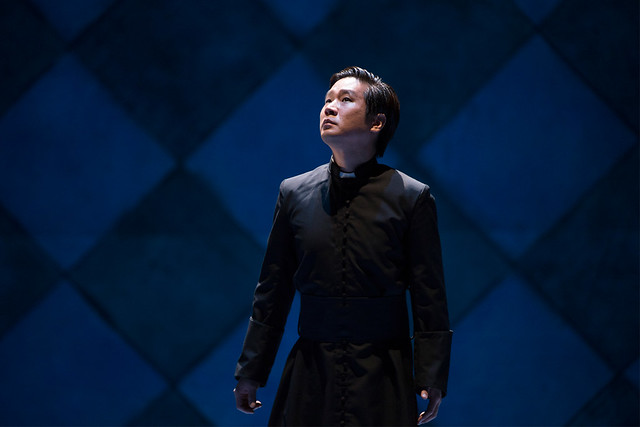 Jihoon Kim as Priest in Robert le diable © ROH / Bill Cooper  2012