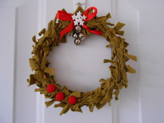 Embroidery Hoop Wreath (4)