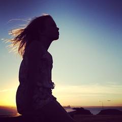 [フリー画像素材] 人物, 女性, 髪がなびく, シルエット, 人物 - 横顔・横を向く, 朝焼け・夕焼け ID:201212200800