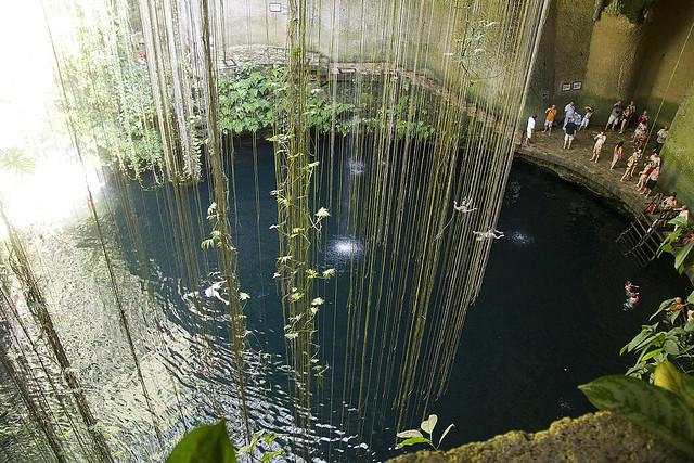 Cenote Ik Kill visto desde arriba