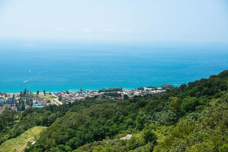 Прозрачное, жемчужно-бирюзовое море, зеленые горы и жаркое южное солнце. #Абхазия #Гагры #гагры2016 #Абхазия2016 #турпоабхазии #Гагра  #Ҕаҕра #Gagra