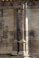 Colonne dorique de la tour Sud