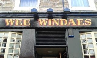 Wee Windaes o Ayr