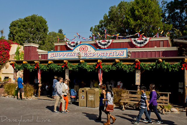 Frontierland Christmas Decorations - 2012