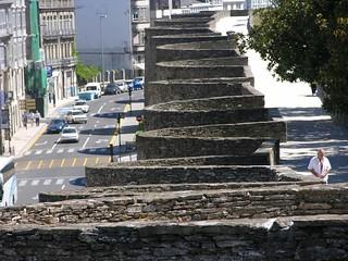 Image de Muralla romana de Lugo. galicia geography lugo patrimonio murallas patrimoniomundial historiccore urbangeography centroshistóricos humangeography geografíahumana geografíaurbana