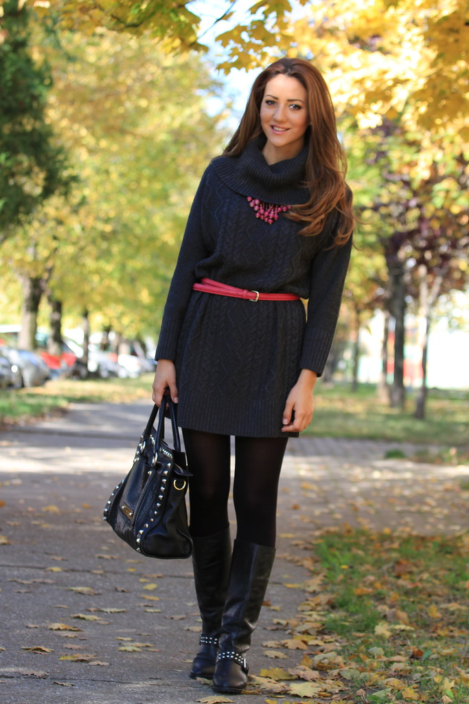 grey winter dress, pink, blue, flat boots