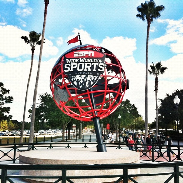 ESPN Wide World of Sports Complex in Orlando, FL.-Race Expo for @rundisney Wine and Dine. #rundisney #winedinehalf #runchat